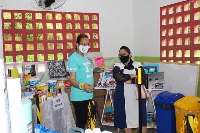 Prefeita Dona Graça Visita escola Álvaro do Rêgo Barros