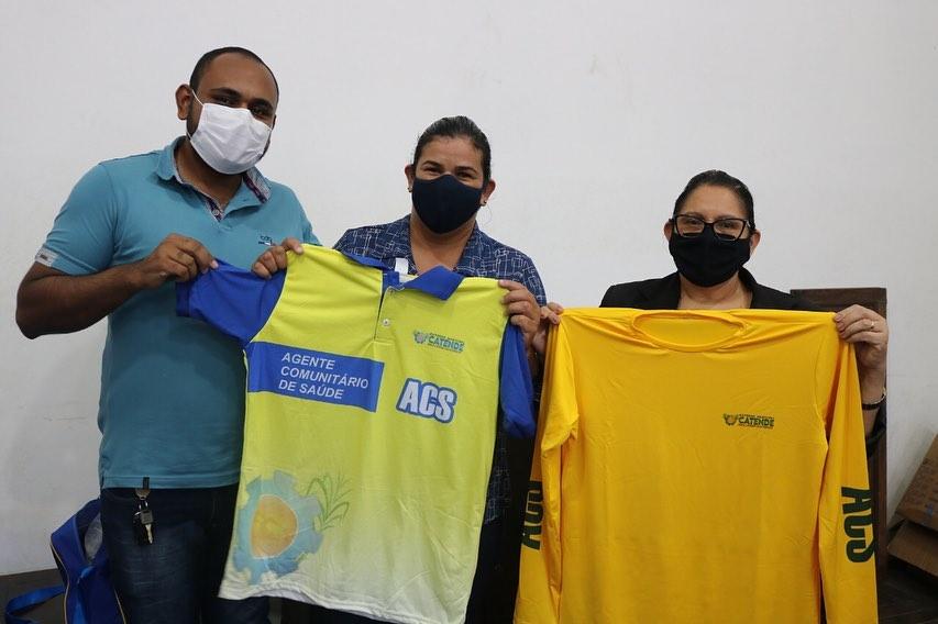 Catende entrega fardamentos para os ACS's
