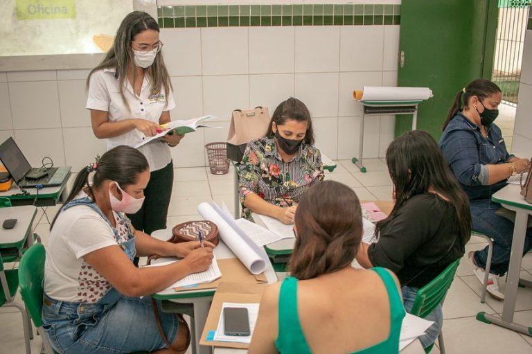 Prefeitura realiza formação à Profissionais da Educação com o tema: AVALIAÇÃO